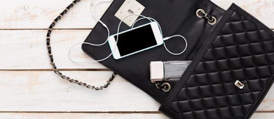 objets à glisser dans son sac pochette