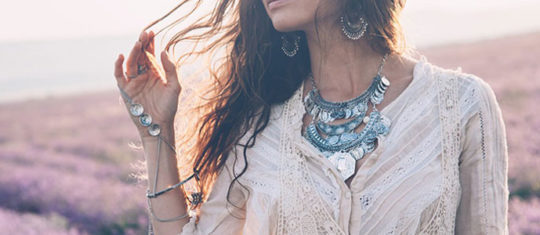 Choisir bijoux  selon vos vêtements